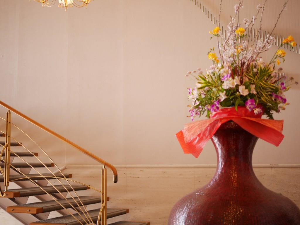フロントの竹細工の花瓶